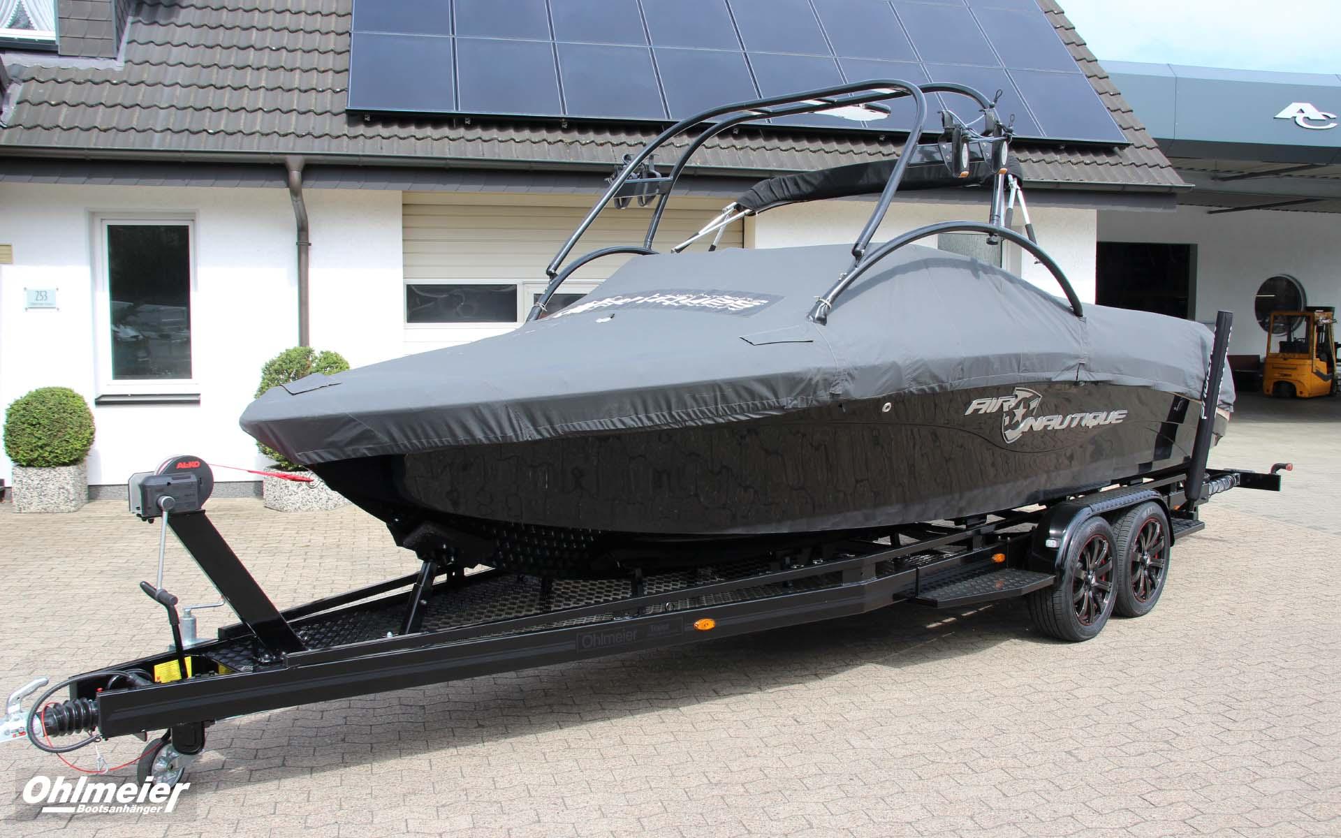 Bootstrailer in Maßarbeit. Der Bootsanhänger im Design zu Ihrem Boot.
